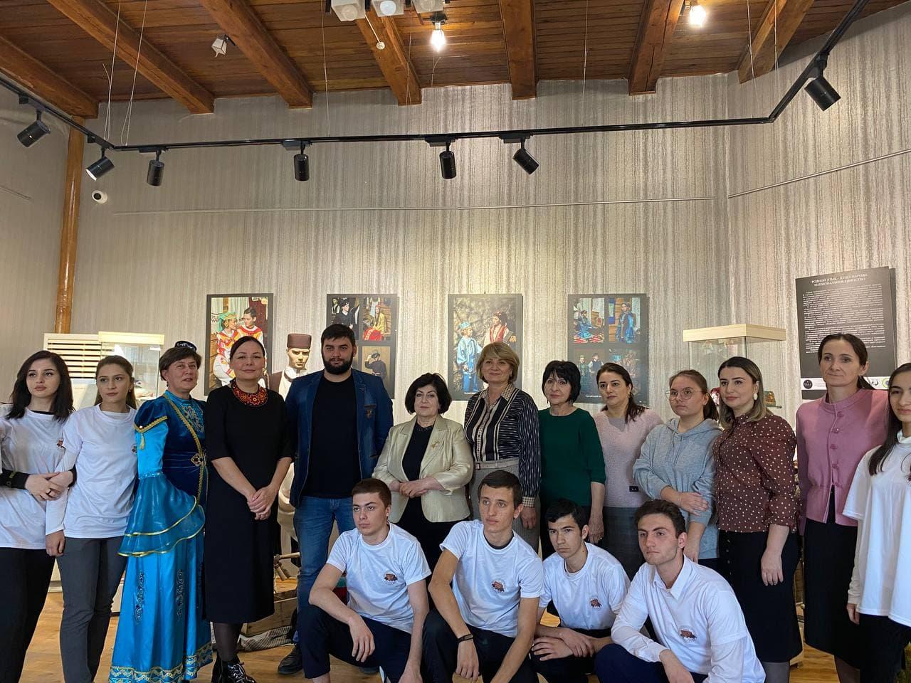 Открытие выставки «Родной язык-душа народа»